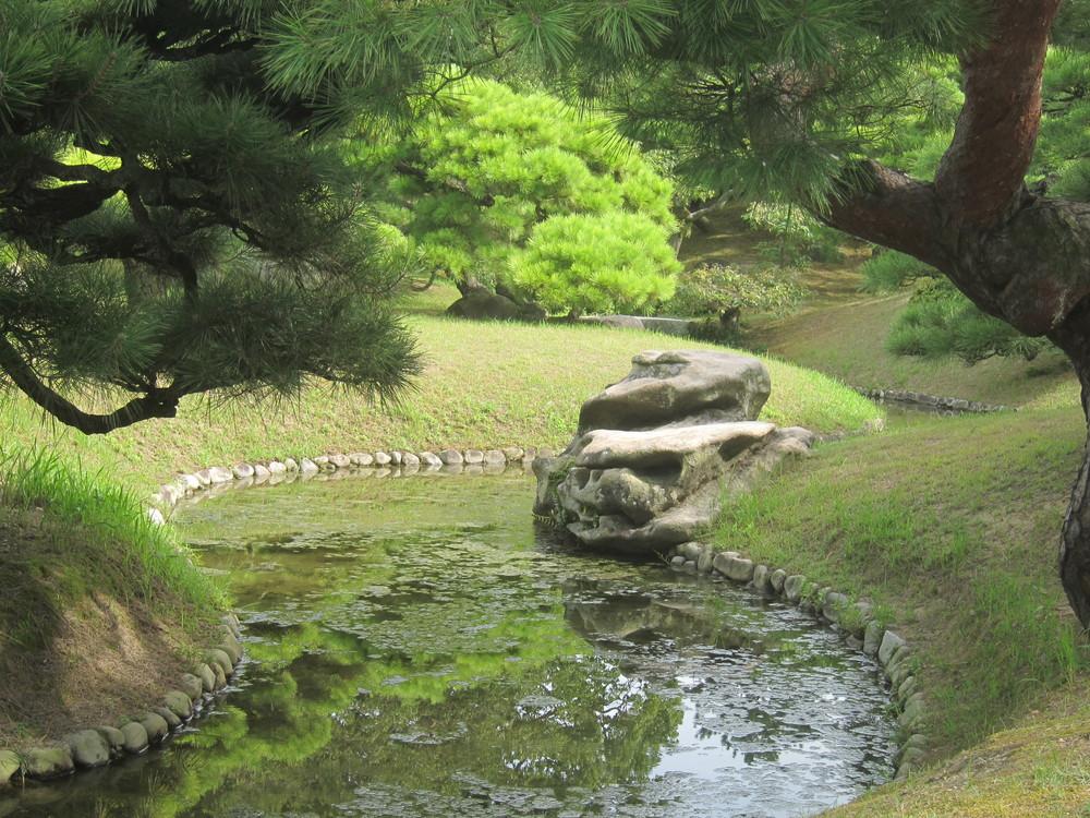 栗林公園ぼたん石