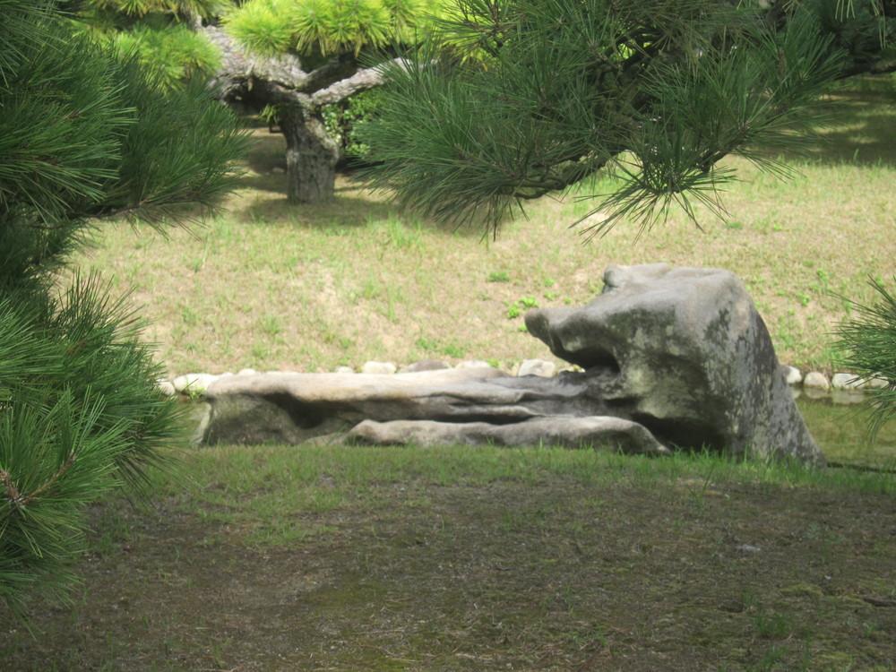 栗林公園見返り獅子